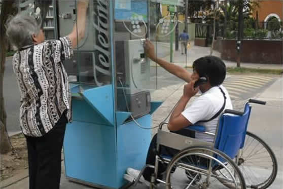 Baño Accesible Medidas:Teléfonos públicos accesibles sirven para facilitar el servicio a