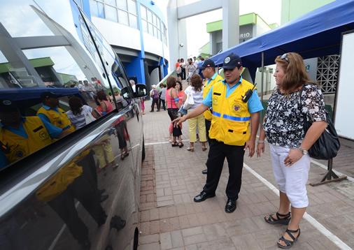 Inspectores municipales verificarán condiciones de transporte escolar
