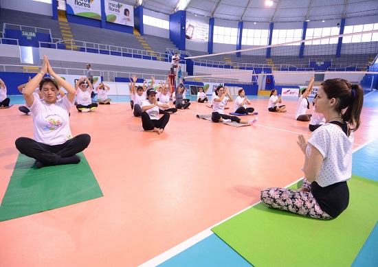 http://www.miraflores.gob.pe/Gestorw3b/files/img/8834-16724-yoga1.jpg