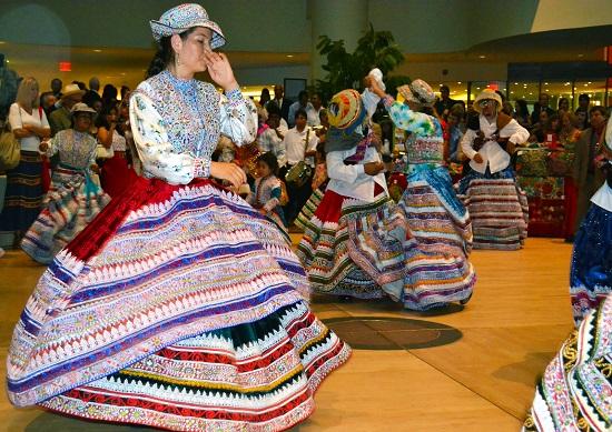 http://www.miraflores.gob.pe/Gestorw3b/files/img/8964-17344-9.danza-en-museo-indio-americano-washington.jpg