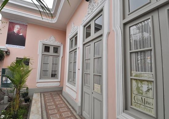 http://www.miraflores.gob.pe/Gestorw3b/files/img/9224-19059-casa-museo-ricardo-palma.jpg