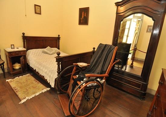 http://www.miraflores.gob.pe/Gestorw3b/files/img/9224-19060-interior-museo-ricardo-palma.jpg