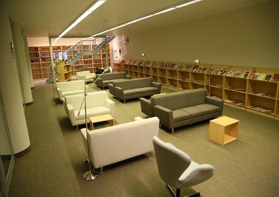 http://www.miraflores.gob.pe/Gestorw3b/files/img/9246-19183-ambientes-remodelados-de-biblioteca-ricardo-palma--5.jpg
