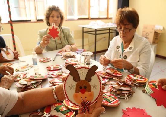 http://www.miraflores.gob.pe/Gestorw3b/files/img/9251-19220-programa-de-voluntariado-fabrica-de-afectos-en-el-centro-comunal-santa-cruz--11.jpg