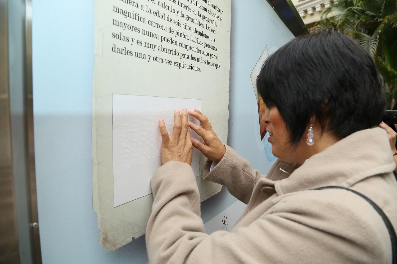 http://www.miraflores.gob.pe/Gestorw3b/files/img/9562-20845-textos-en-formato-braille-para-acercar-el-arte-a-las-personas-con-discapacidad-visual..jpg