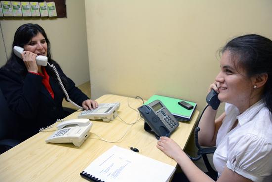 Carla, María Fé son parte del equipo de teleoperadoras de la Municipalidad de Miraflores