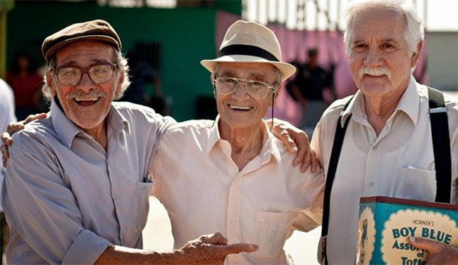 Accecine: Viejos amigos (2014) @ Sala Tovar