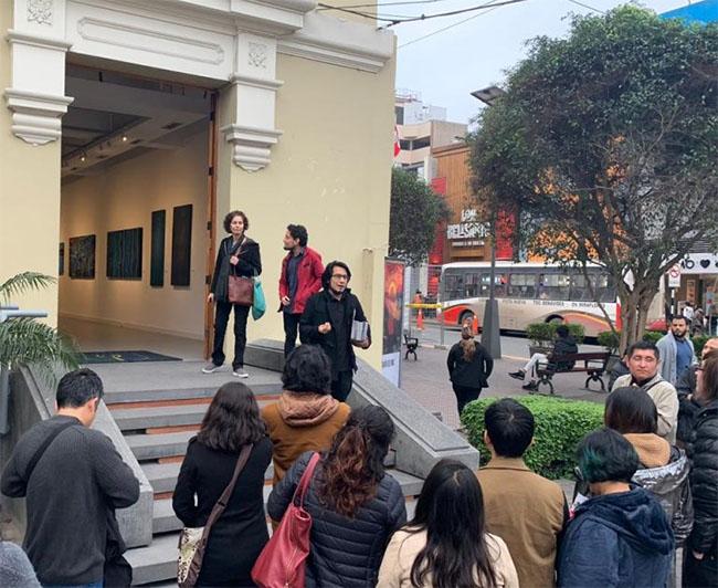 """Visita guiada en el marco de """"Arte al Paso"""" @ Sala Raúl Porras Barrenechea del Centro Cultural Ricardo Palma"""