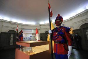 Exposición de la bandera del Batallón Nº4 en el Palacio Municipal de Miraflores @ Palacio Municipal de Miraflores